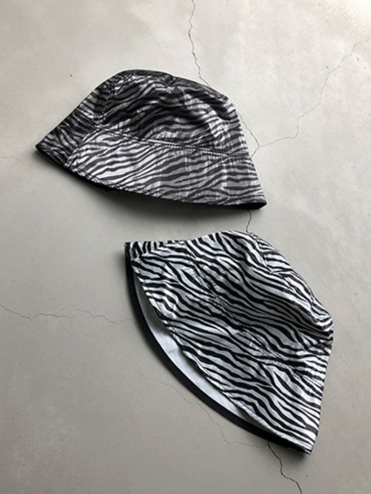 Vinyl zebra bucket hat / 2color
